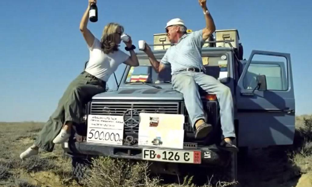 Кристина и Гюнтер после преодоления отметки в 500,000 км
