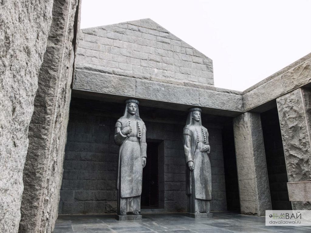 ловчен мавзолей Петра II Петровича Негоша