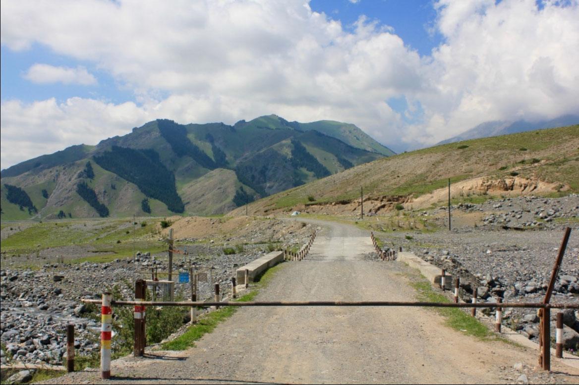 дорога в горы алатау