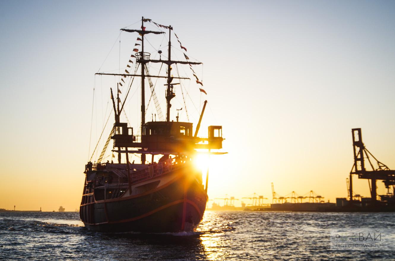 круизник корабль осака